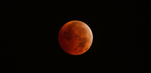 Full Lunar Eclipse Coincides With Winter Solstice